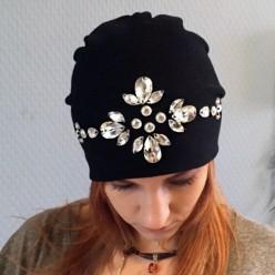 Черная шапка со стразами Swarowski