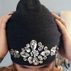 Дизайнерская шапка со стразами Сваровски